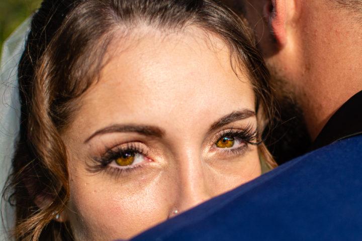 La mariée a deux beau yeux et un regard magnifique